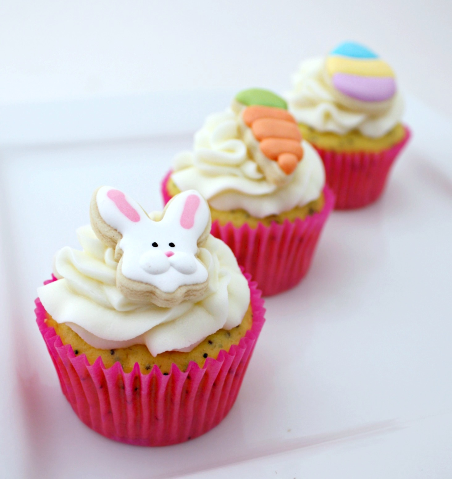 Simple Easter Cupcakes and Cookie Toppers The Sweet Adventures