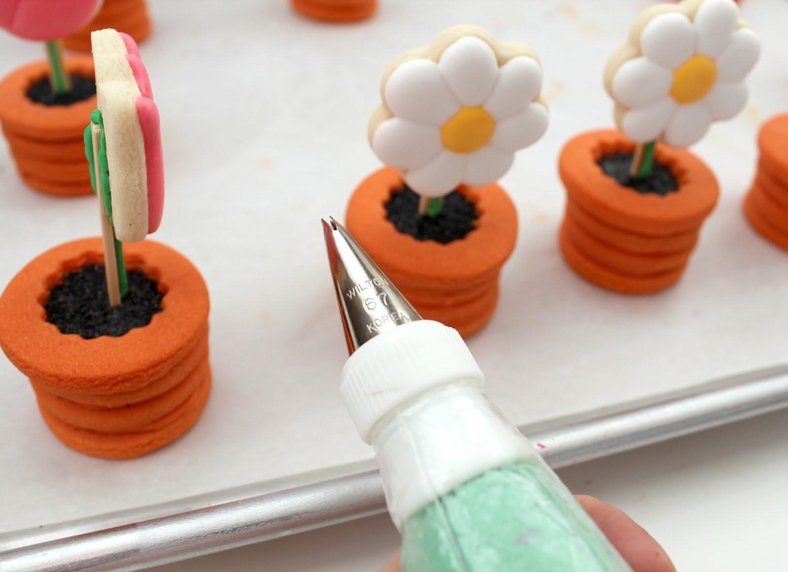 Flowers in pots cookies the sweet adventures of sugar belle nvjuhfo Choice Image